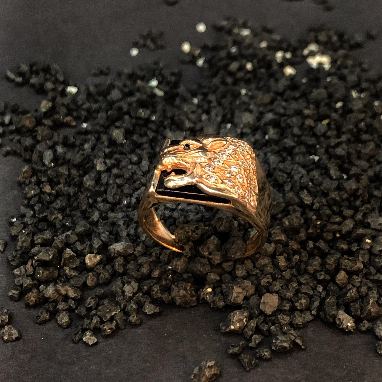 Золота печатка лев