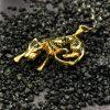 Золота підвіска леопард