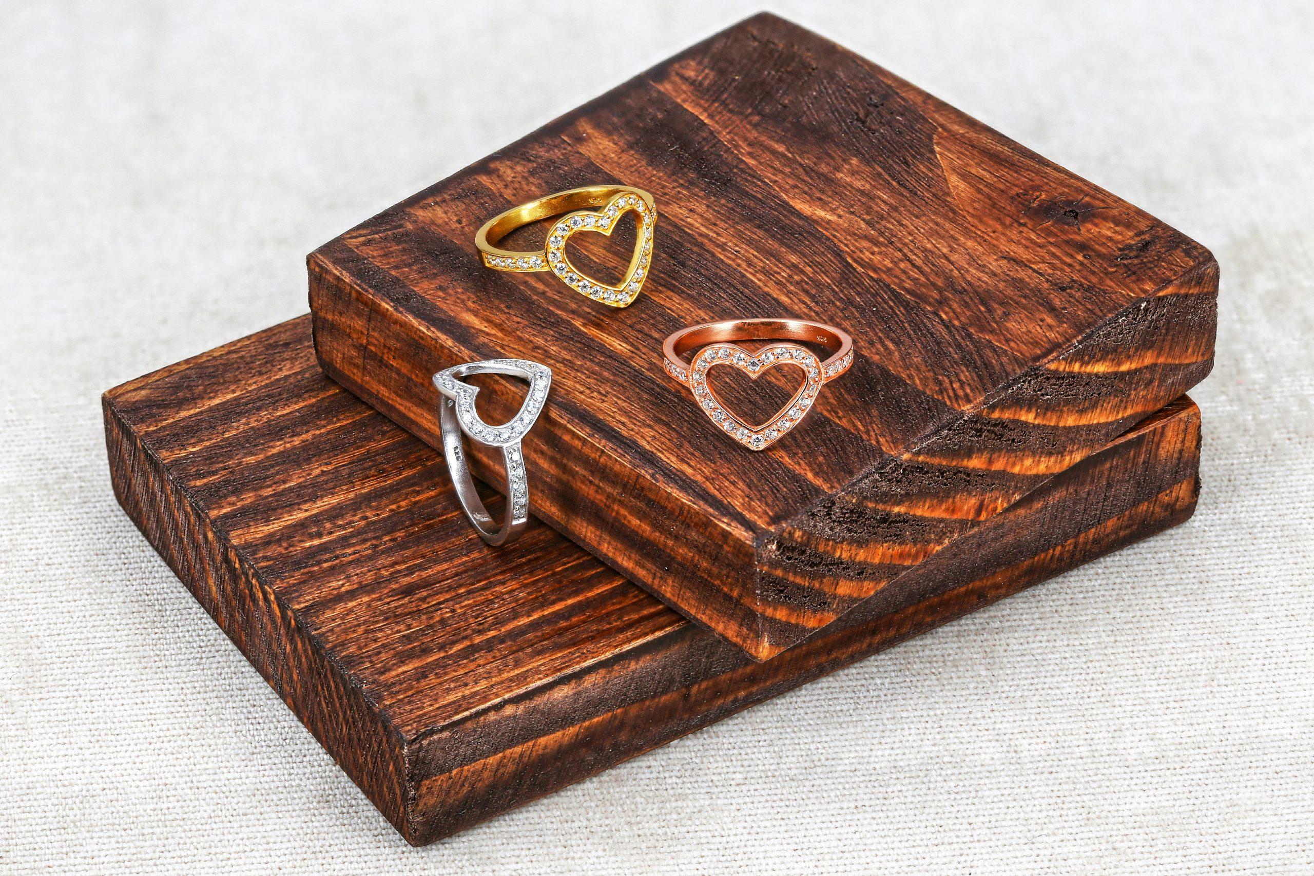 Срібна каблучка серце